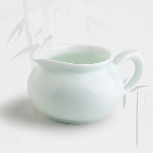 Jingdezhen Ceramic Fair Cup Light-blue Classic Porcelain Eagle Mouth Design